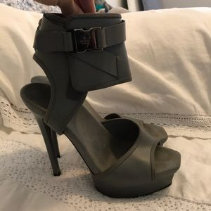 GUCCI Gayle bondage wrap heels